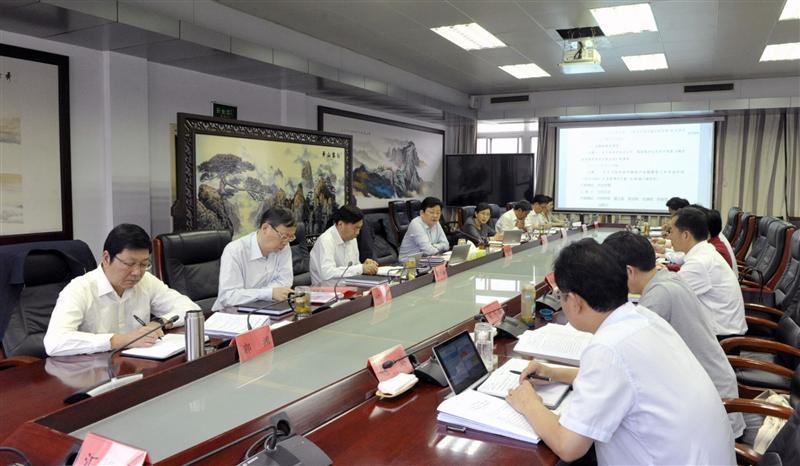 朱是西主持召开市政府第四十八次常务会议