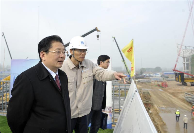 朱是西调研国际会展中心项目建设进展情况