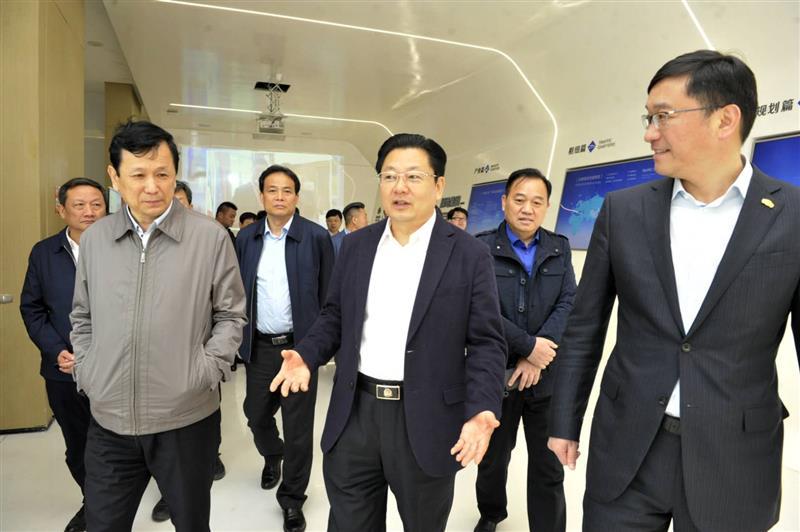 朱是西率团赴郑州航空港考察