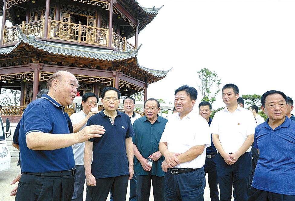 省级老干部考察团点赞驻马店改革发展新气象