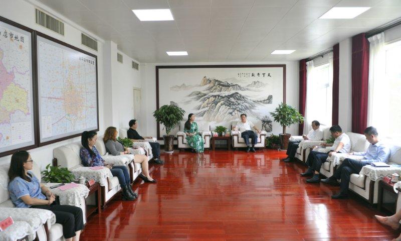 朱是西会见中国信息协会城市运营分会副会长黄雷...