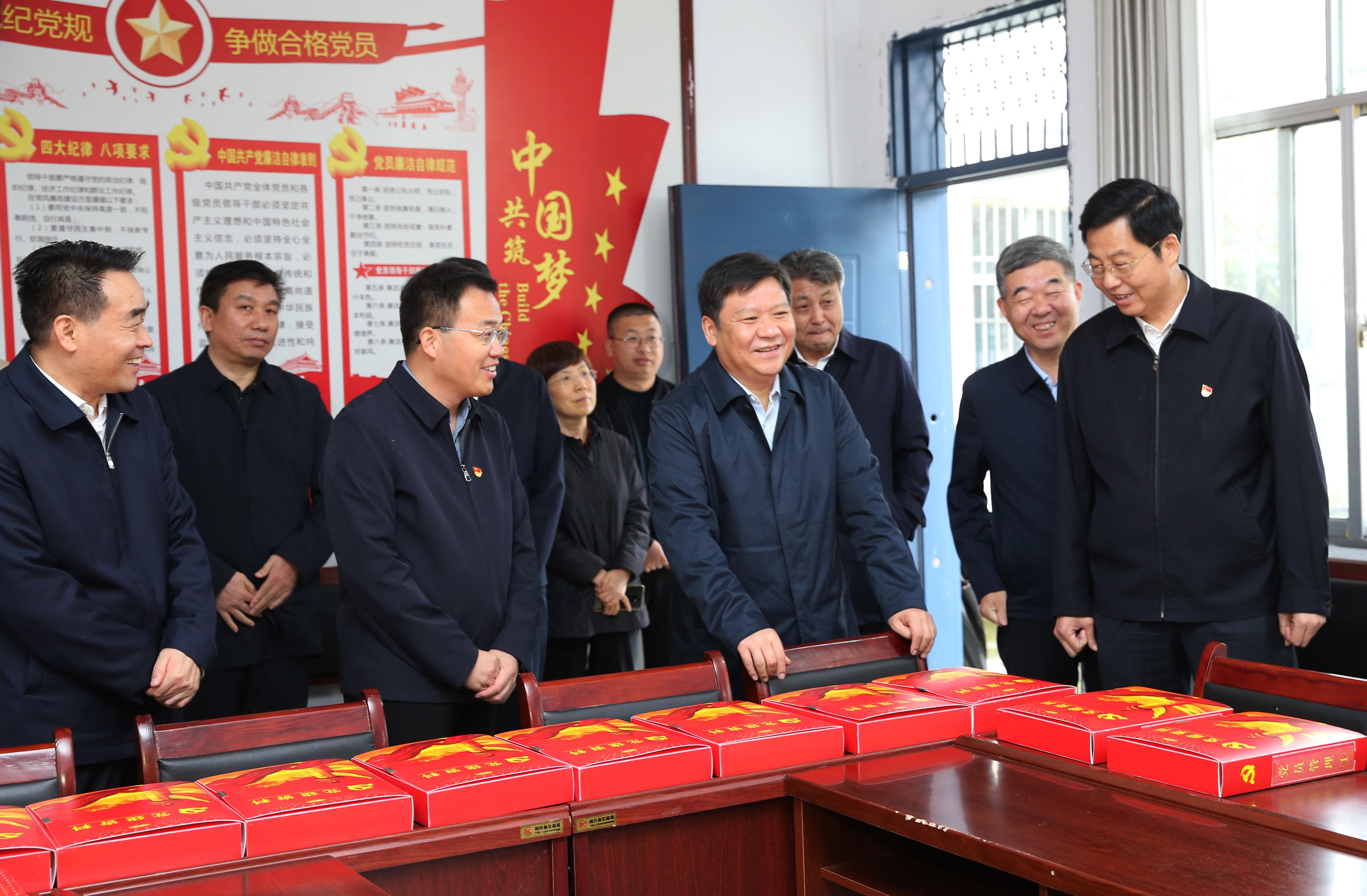 鲍常勇深入泌阳县调研乡村振兴、基层党建、产业发展等工作